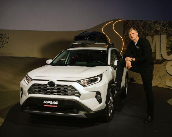 Шоу RAV4STORY в Москве: гости перенеслись в стихию внедорожников и увидели новый Toyota RAV4