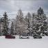 В честь 70-летия Land Rover представлено масштабное изображение культового Defender в Альпах