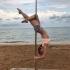 Звезда «Свидетелей» устроила эротический танец на пляже