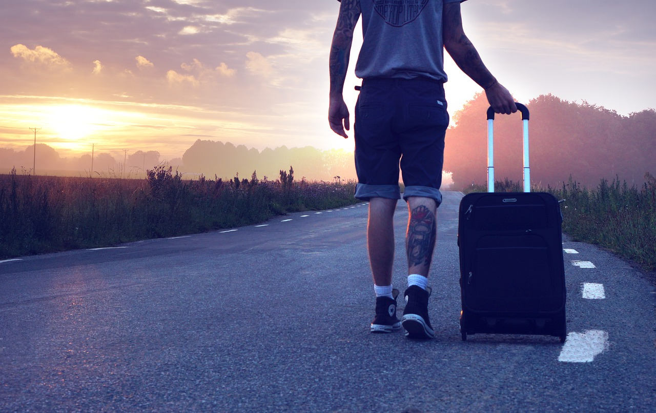 Как выбрать качественный и надёжный дорожный чемодан?