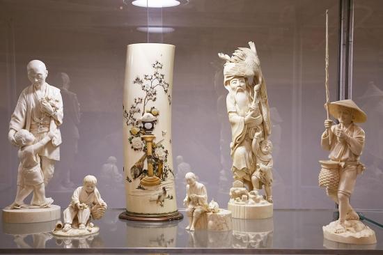 46-й художественный проект«Блошиный рынок» и спецпроект  Японская Скульптура Окимоно