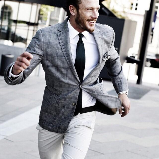 Секреты стилистов: как выбрать мужскую одежду для офиса?