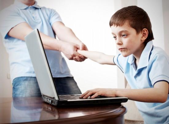 Компьютерная зависимость у детей: как бороться?