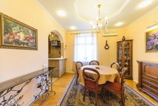 Где остановится в Киеве на ночь: выбираем интерьер квартиры