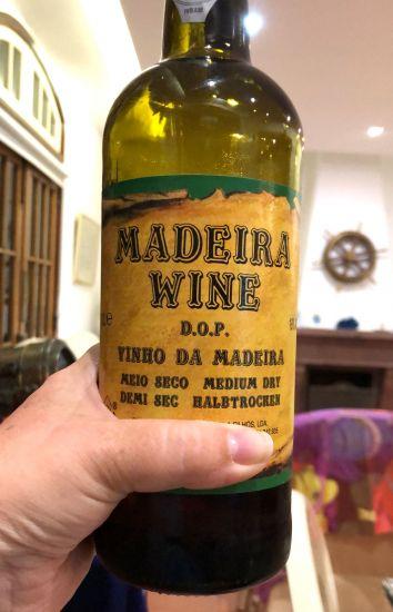 В Португалии продавцы на рынках большие выдумщики или Необычные национальные блюда и продукты