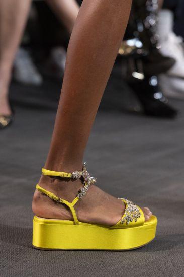 Женские босоножки: что будет модным летом 2020-го